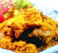 Melengkapi hidangan lauk pauk dengan sajian ayam goreng kelapa RESEP AYAM GORENG BUMBU KELAPA