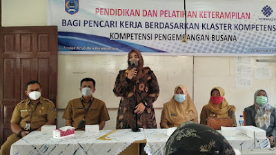 Pokir Wakil Ketua DPRD, Wulan Denura Gandeng Disnakerin: 25 Penjahit Busana Ikuti Pelatihan