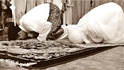 Lebaran #DirumahSaja Bukan Berarti Tidak Bisa Solat Eid: Simak Cara Shalat Idul Fitri di Rumah