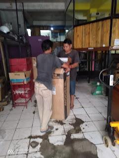 Pengiriman barang pindahan rumah