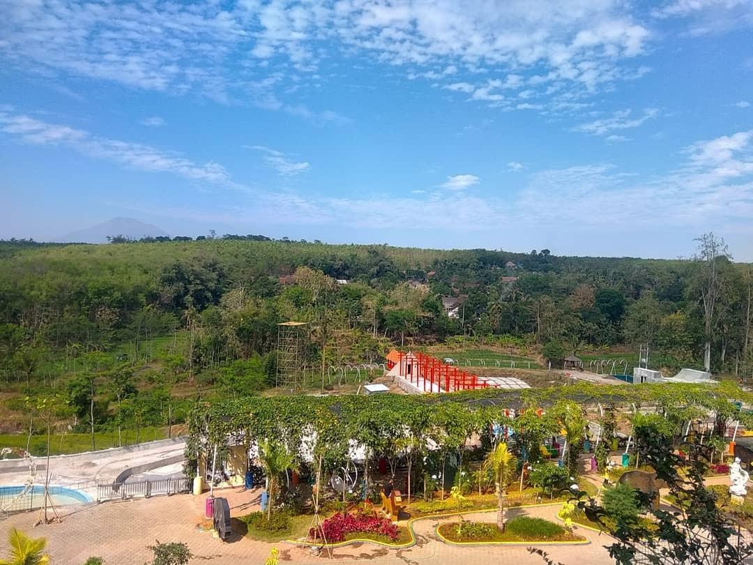 Wisata Watu Gajah Ungaran