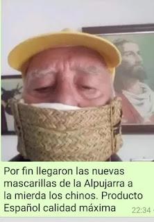 Abuelo con mascarilla hecha de mimbre