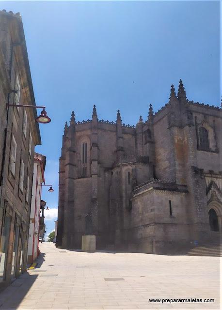 visitar la plaza y la catedral de Guarda Portugal