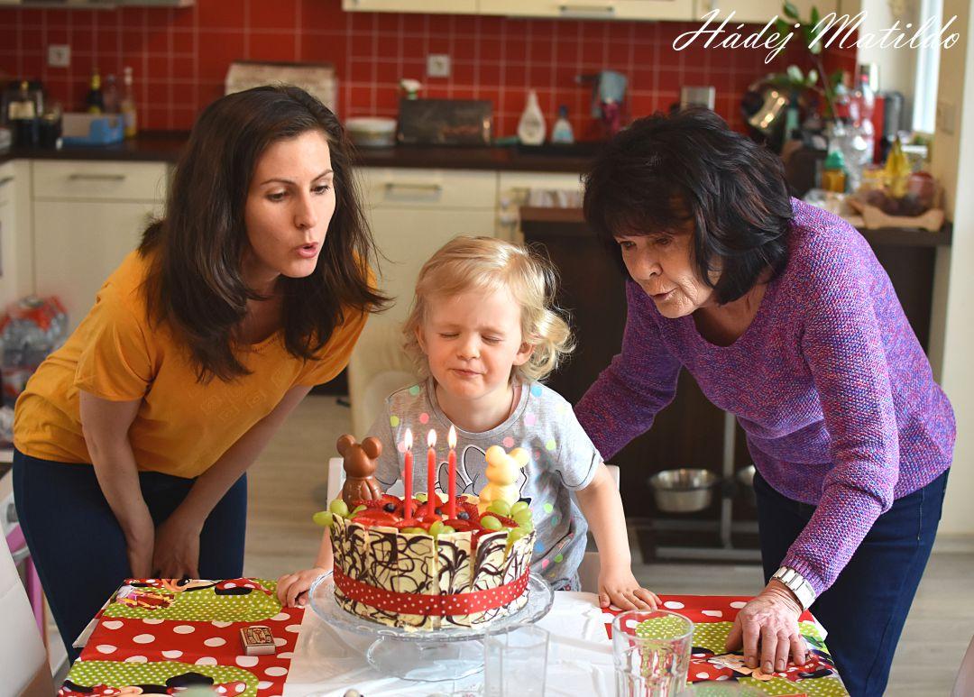 třetí narozeniny, oslava, tři roky, tříleťačka, slavíme
