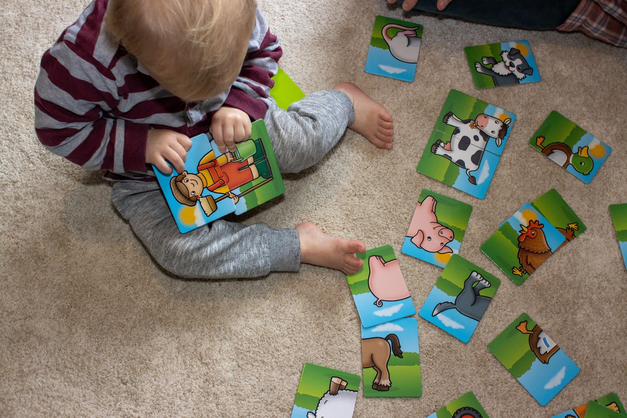 Review Good Orchard Toys For Toddlers And Preschoolers Counting To Ten Bu oyun ile çocukların dikkat, konsantrasyon, odaklanma, hafıza, eşleştirme becerilerini geliştirirken oyunu oynarken hayvanları ile ilgili genel kültür bilgileri. review good orchard toys for toddlers
