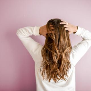 العناصر الغذائية المهمة لتقوية الشعر وعدم تساقطه