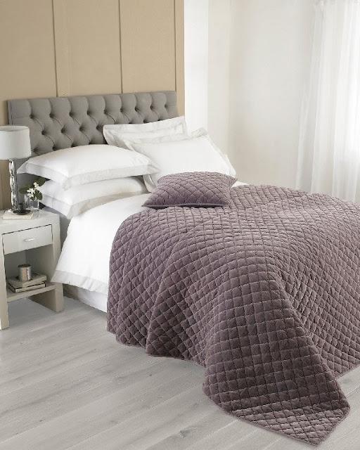 Yorkshire Linen Annecy plum bedspread