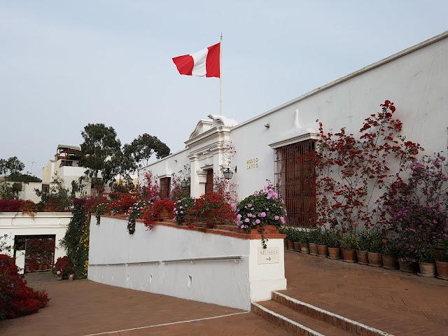 Entrada do museu Larco - Lima - Peru