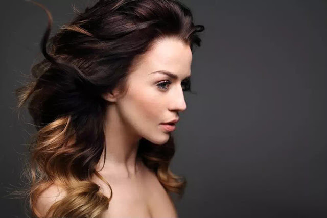 Curly Ombre Hairstyle
