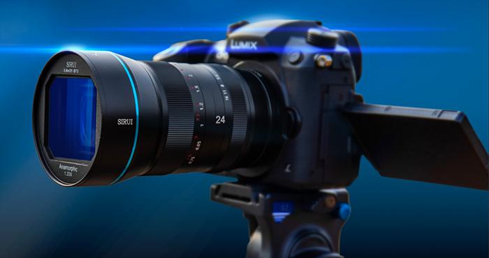 Анаморфный  объектив Sirui 24mm f/2.8 1.33x Anamorphic с камерой Panasonic