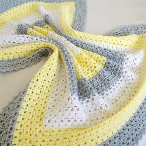 Superbly Simple Baby Blanket - Free Pattern