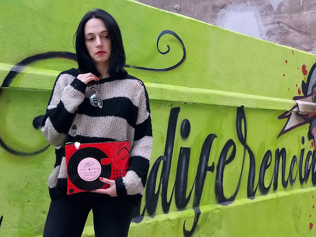 fashion, moda, look, outfit, blog, blogger, walking, penny, lane, streetstyle, style, estilo, trendy, rock, boho, chic, cool, casual, ropa, cloth, garment, inspiration, fashionblogger, art, photo, photograph, Avilés, asturias, zara, jeans, graffiti