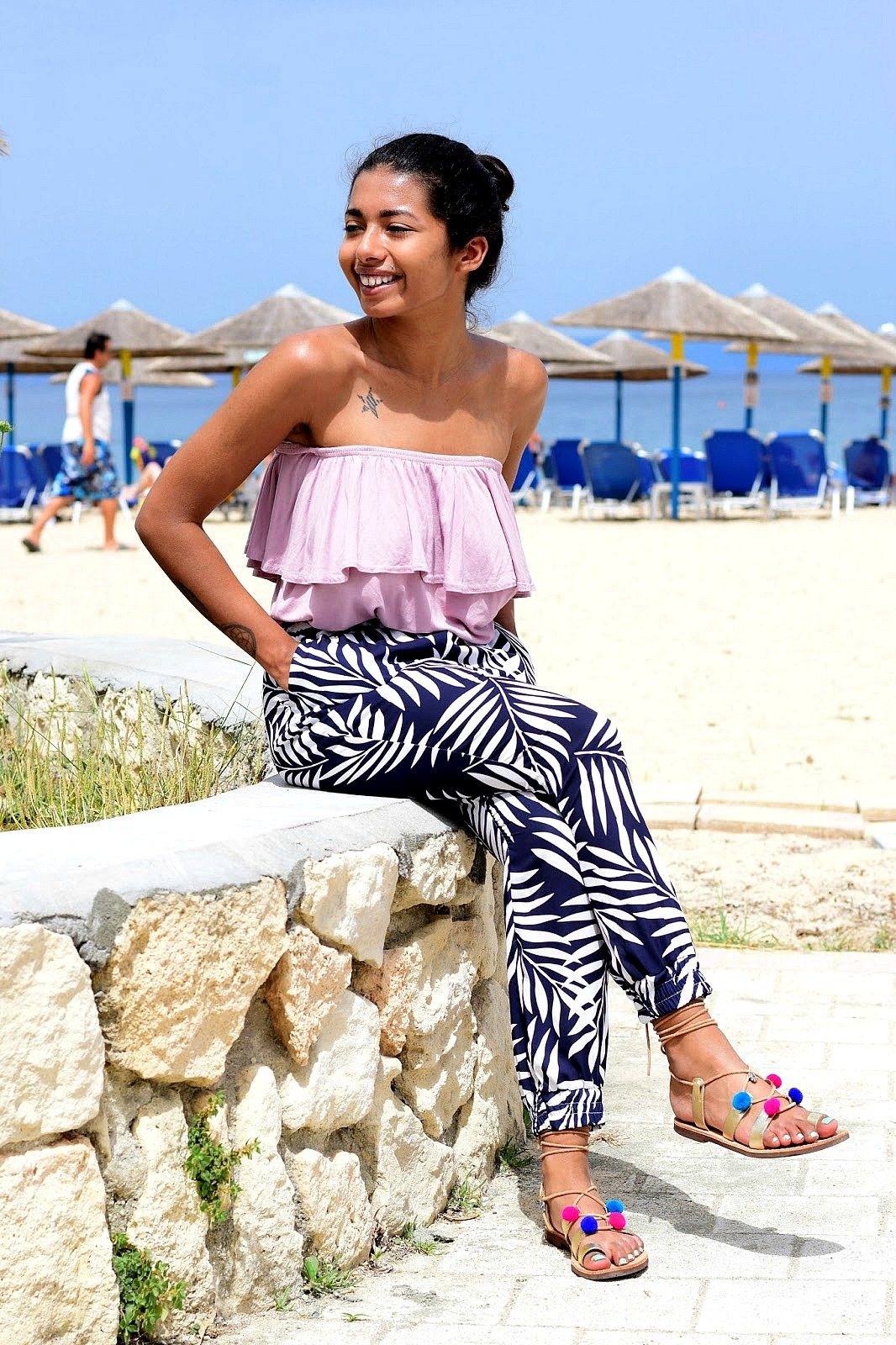 easy pretty summer look ideas with ruffle tops