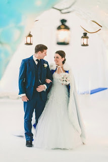winter snowy wedding dress with long cape