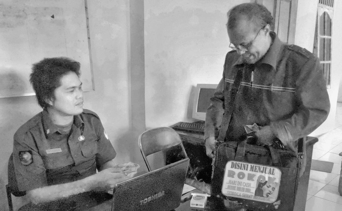 Hamonangan Siahaan loper koran mantan wartawan Balige Toba Samosir
