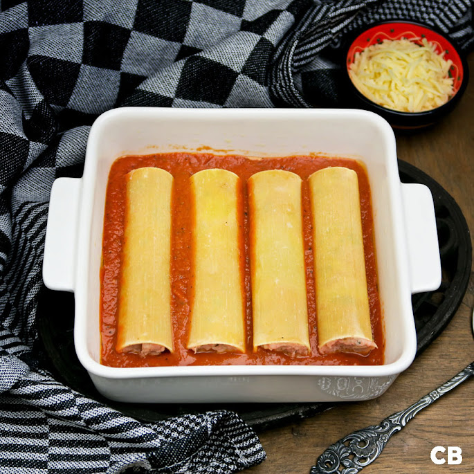 Cannelonirolletjes in tomatensaus