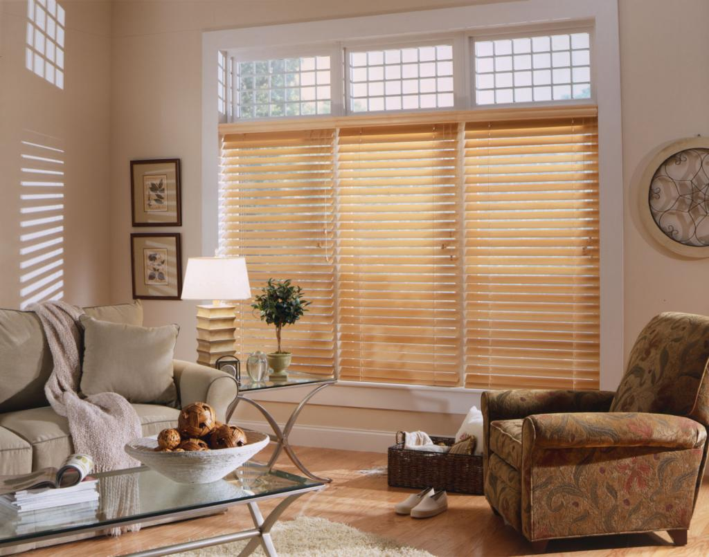 When it comes to window treatments like roller blinds making the right choice requires you to take into consideration several factors like the existing
