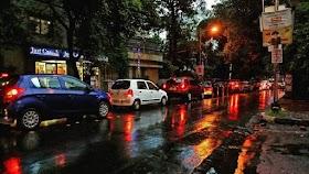 Busy Street View of Kolkata