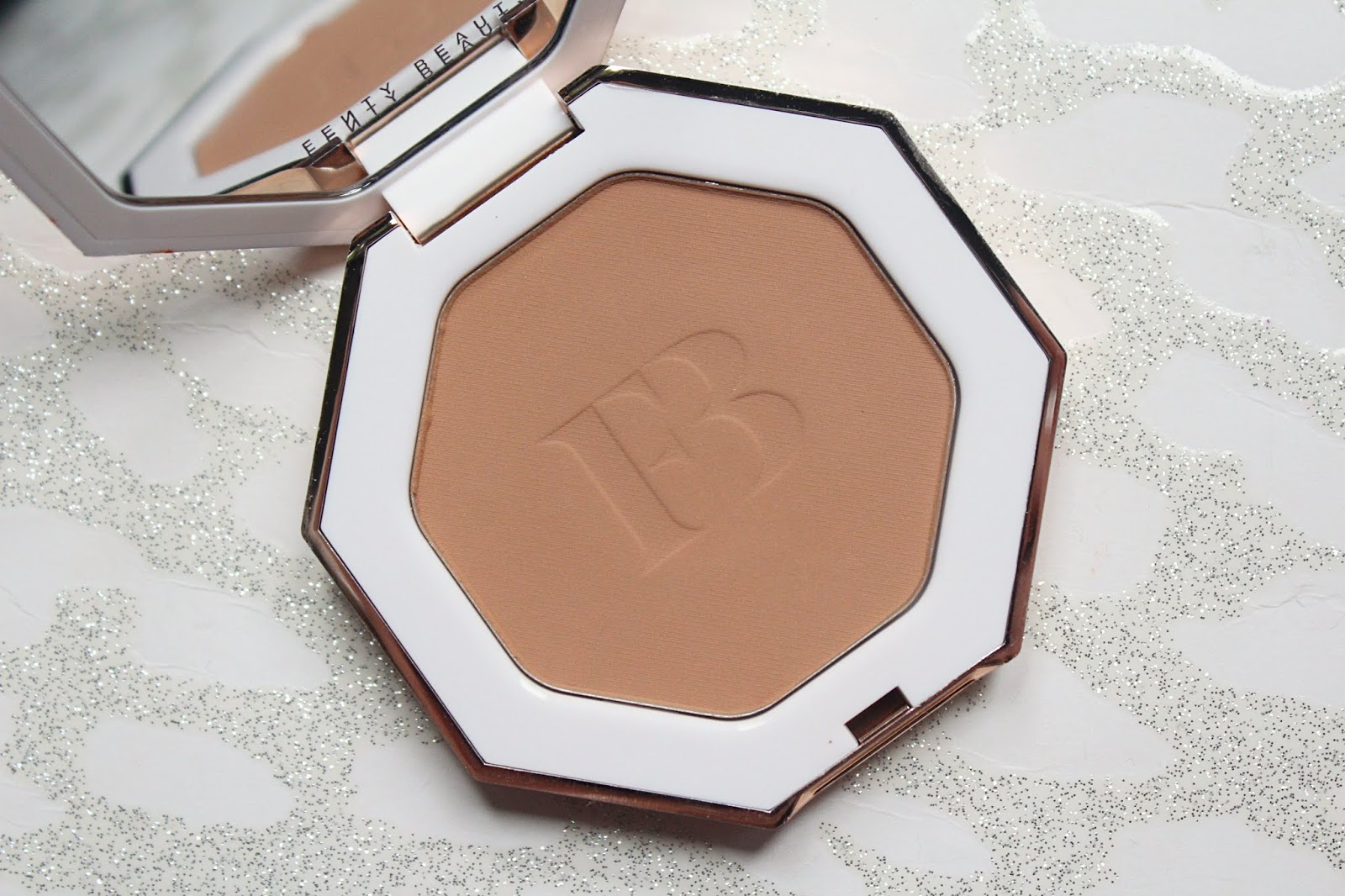 Fenty Beauty Sun Stalk'r Instant Warmth Bronzer Review