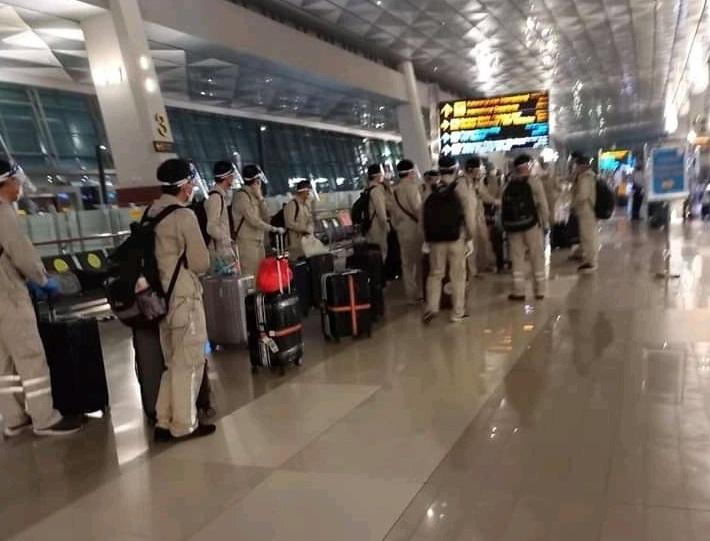 Hari Pertama Lebaran, 110 WN China Tiba di Indonesia