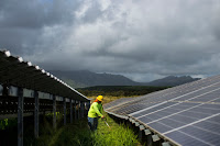 Kauai Island Utility Cooperative's Anahola solar array in Hawaii in 2015. Hawaii passed legislation on Tuesday to align the state's goals to the Paris climate accord. (Credit: Kent Nishimura for The New York Times) Click to Enlarge.