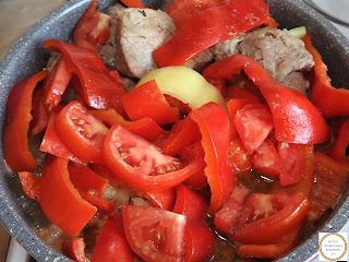 Porc cu legume preparare reteta,