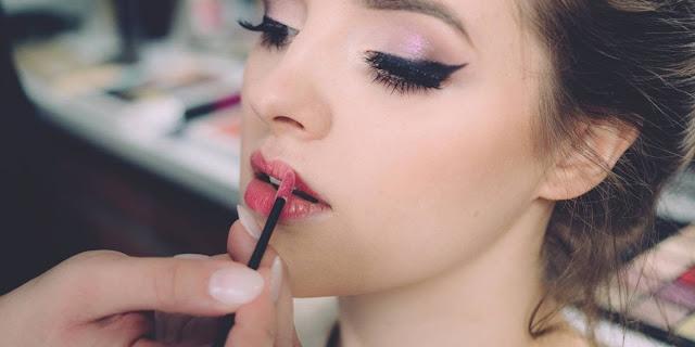 Riesgos del maquillaje permanente