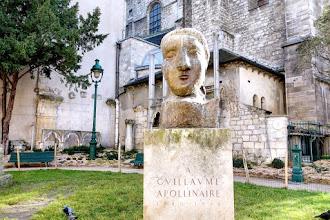 Paris : La Poésie, Hommage à Guillaume Apollinaire, péripéties rocambolesques autour d'une oeuvre de Picasso - VIème