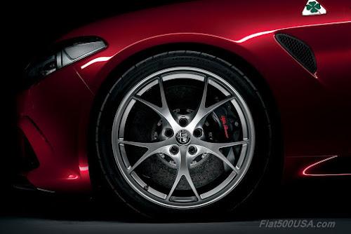 Alfa Giulia 19-inch Tecnico Dark Aluminum Wheels