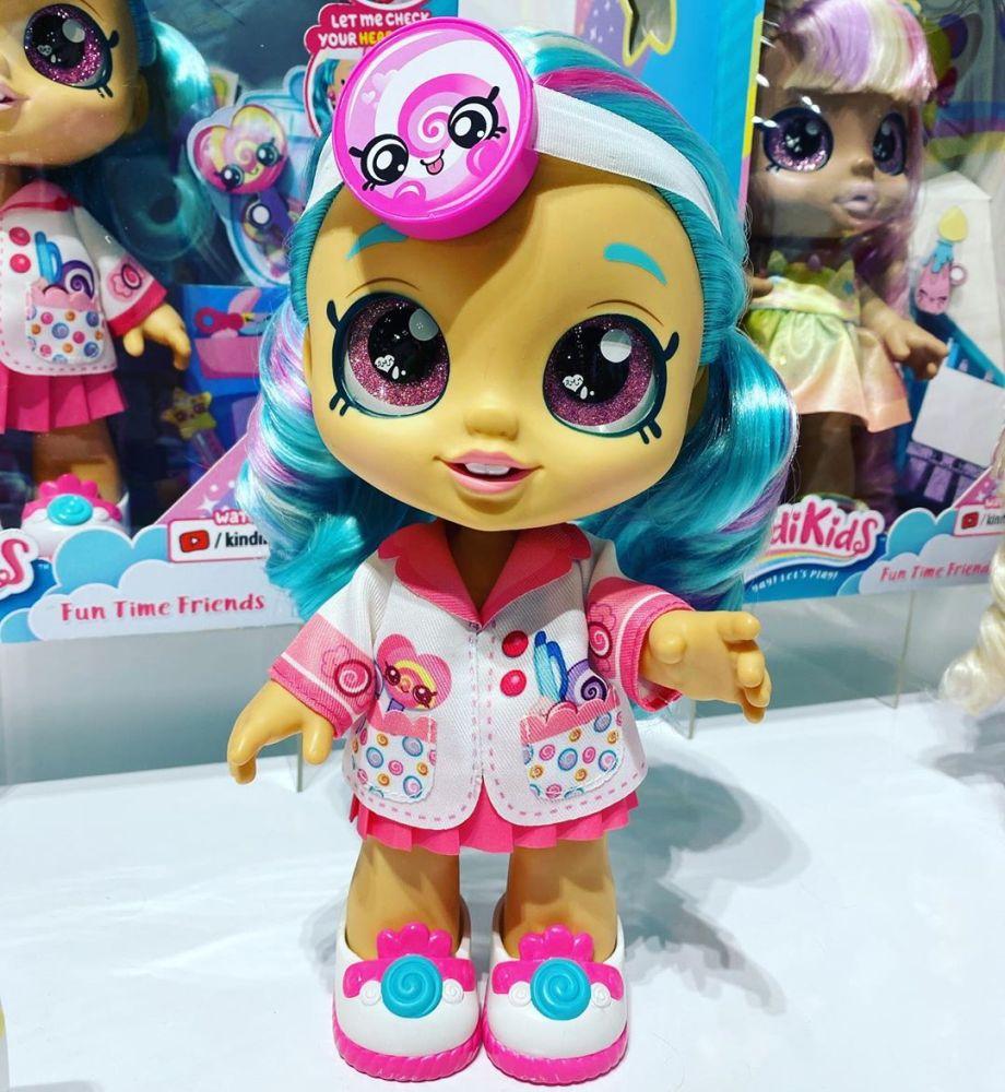 Кукла доктор Kindi Kids Let Me Check Your Health Cindi Pops