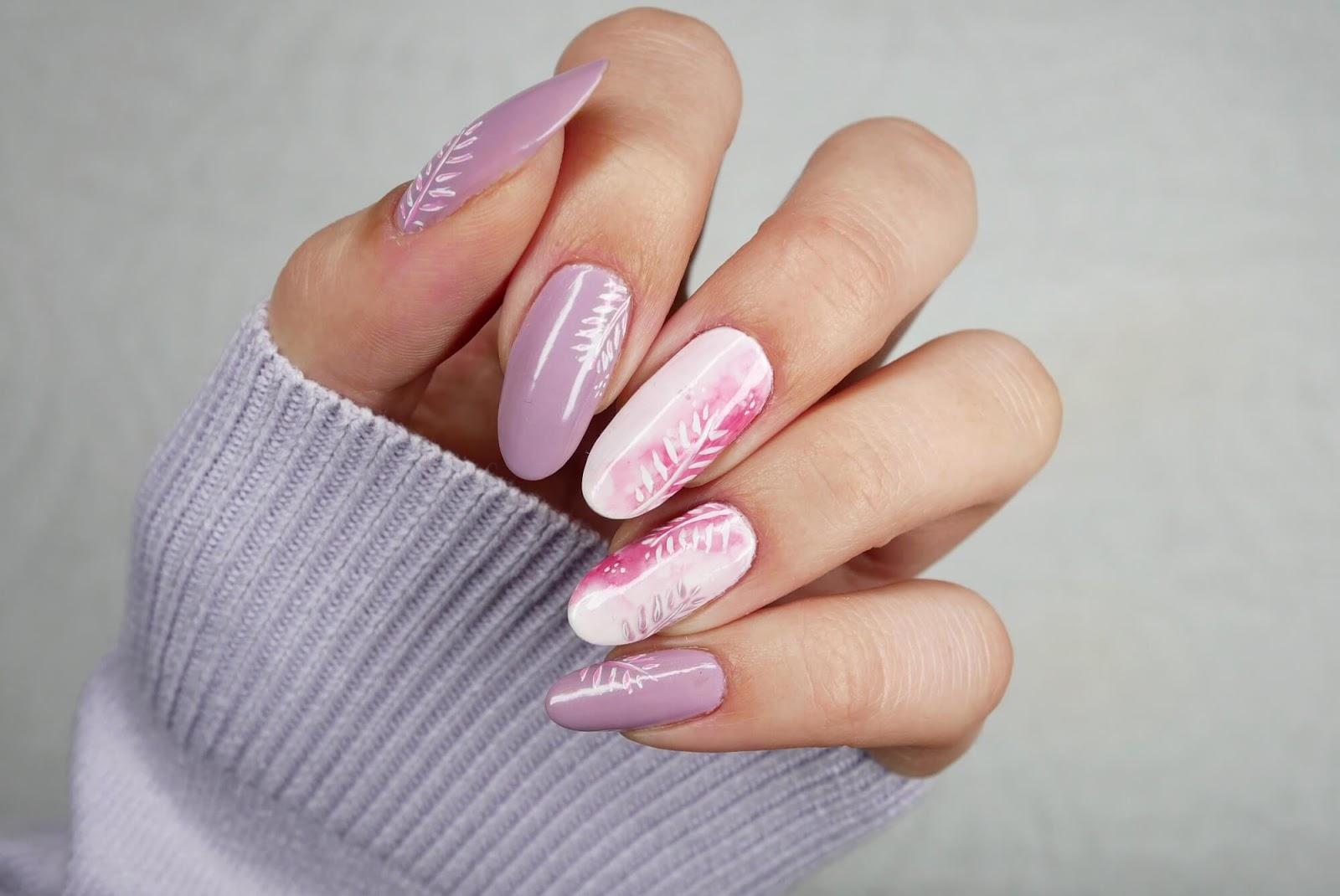 Blur effect na paznokciach - różowa chmurka koloru