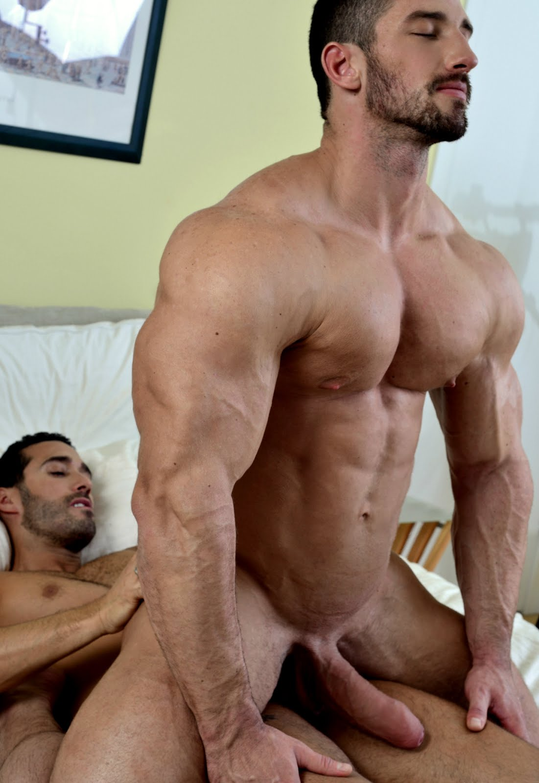 sex-video-muscle-stud-porn