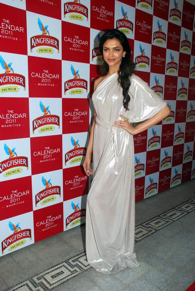 Indian Actress Deepika Padukone Hot Transparent In White Dress