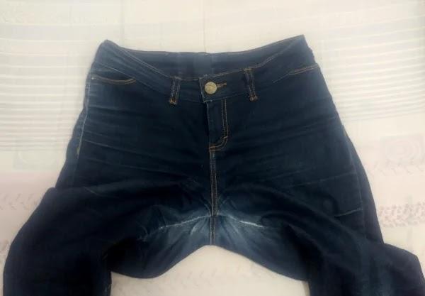 Como consertar fundo de calça jeans rasgado entre as pernas