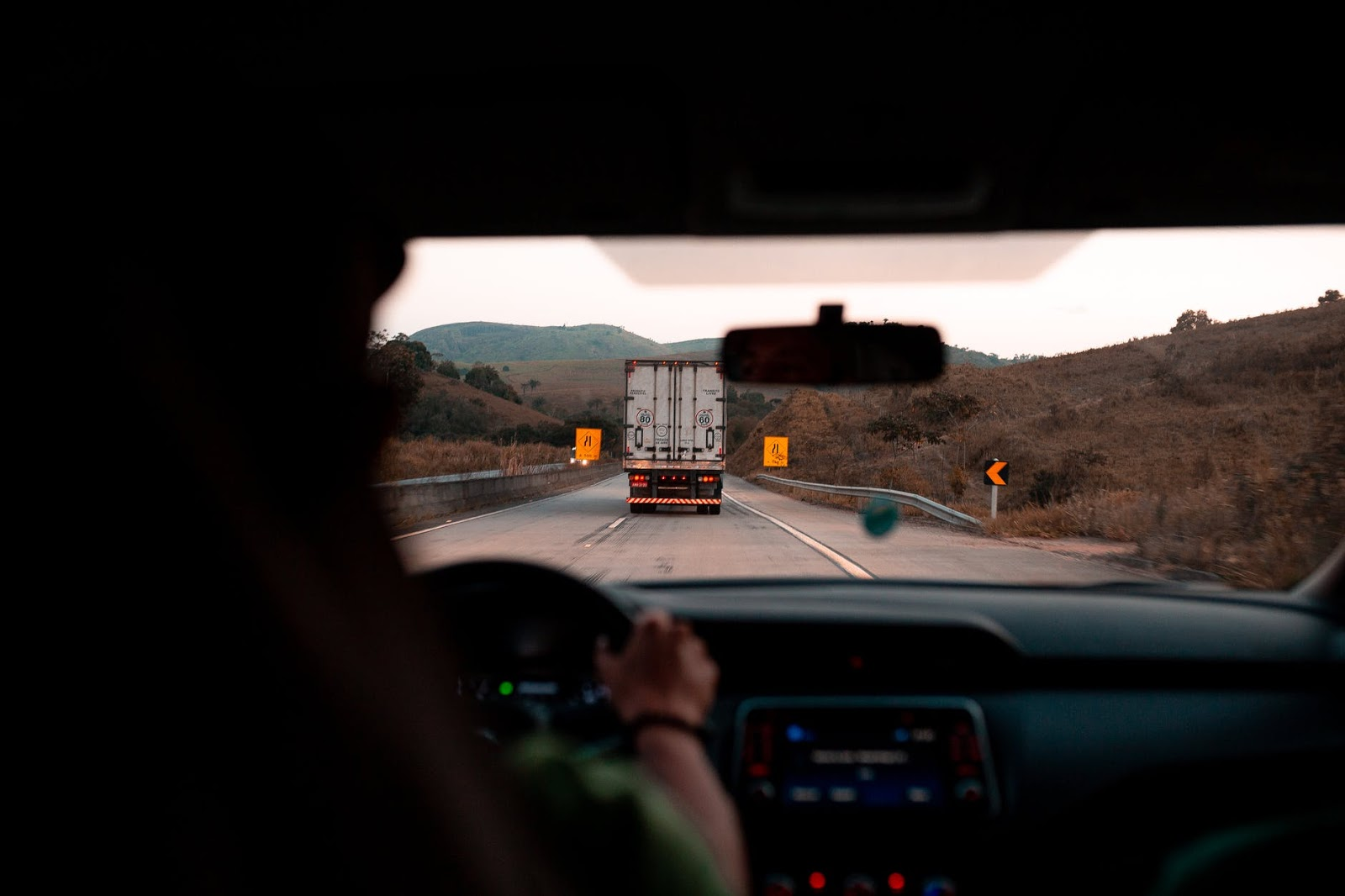 Tips for Starting a Successful Trucking Business