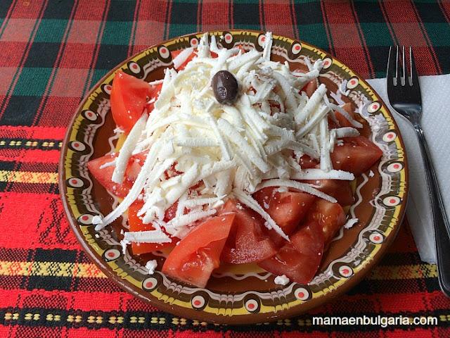 Ensalada de tomate con sírene, Bulgaria