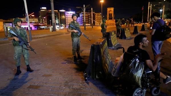Rayeb Tayyib Erdogan declara el fracaso del golpe militar en Turquía.