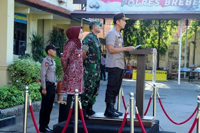 http://www.topfm951.net/2019/06/bupati-dandim-dan-kapolres-brebes.html#more