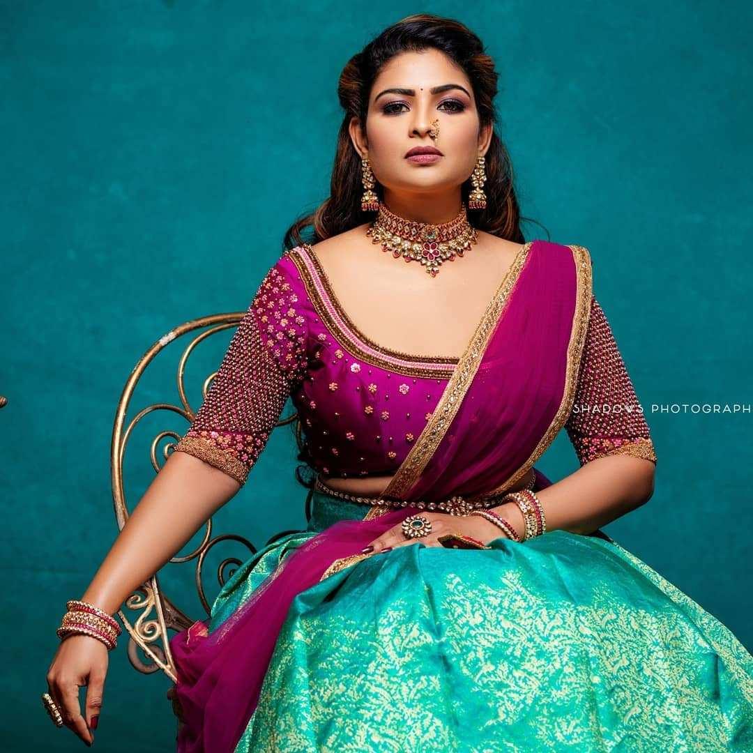 Actress vj maheswari Photos | Images | Stills | Instagram
