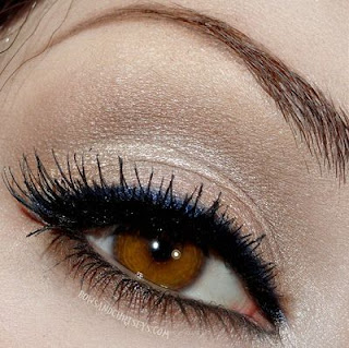 How-to-apply-natural-makeup-&-eye-makeup-ideas-for-brown-3
