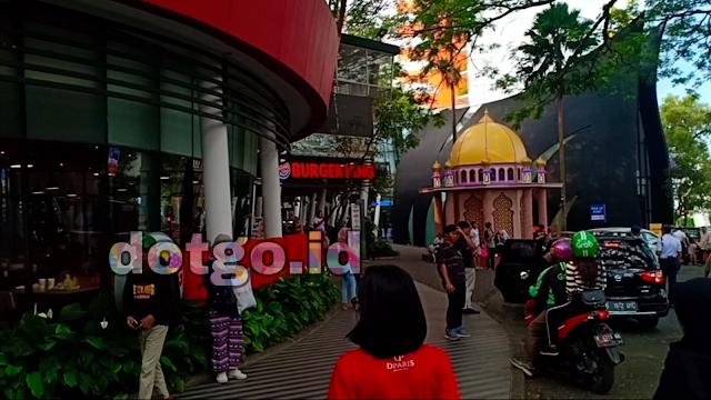 Wisata Belanja Cihampelas Walk Ciwalk Belanja Nyaman di pusat kota Bandung