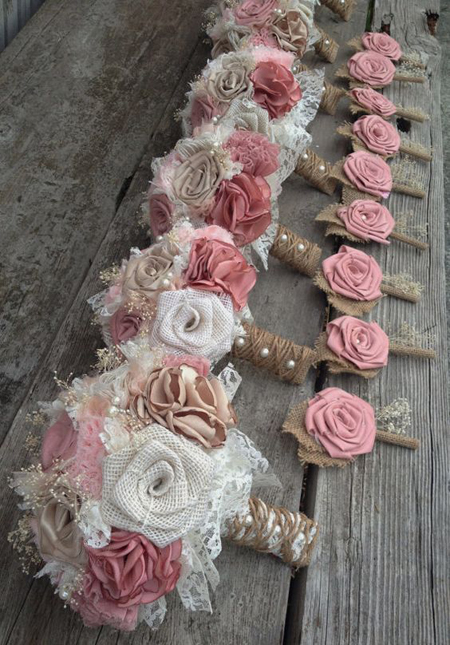 buquê de flores de tecido em juta e em tecido fino