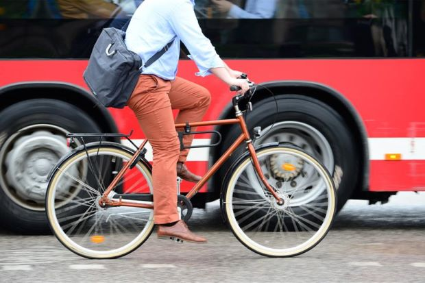 This Wheel Gadget Can Convert Bicycles Into Electric Vehicles