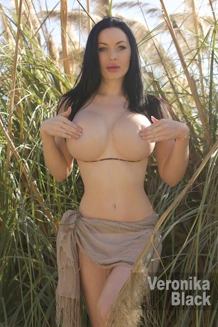 Veronika Black naked on the field