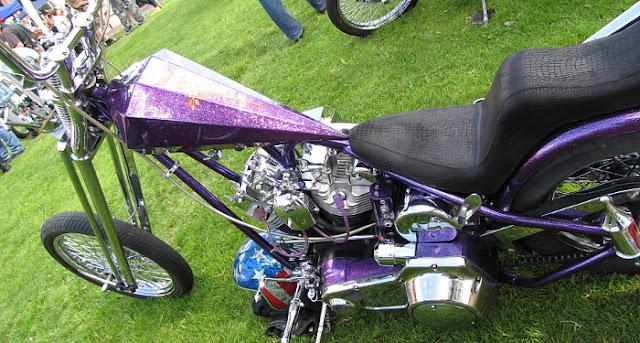 rakennettu moottoripyörä chopperi Harlikka