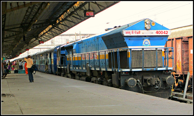 https://www.technologymagan.com/2019/08/railway-recruitment-2019-over-2000-latest-vacancies-released-for-trackman-helper-other-check-salary-details.html