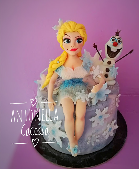 Elsa di Frozen estiva
