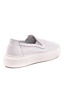 grada beyaz ayakkabı