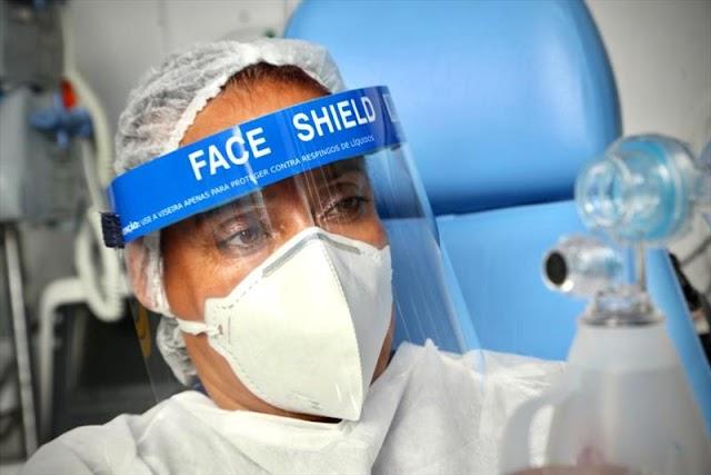 Máscaras de escudo facial reforçam segurança dos profissionais de saúde