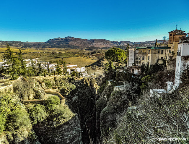 Desfiladeiro do Tajo e Palácio do Rei Mouro, em Ronda, Andaluzia